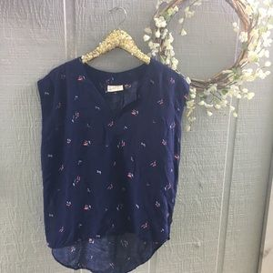 Universal Thread floral high low blouse. Small.